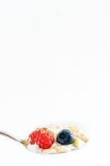 Cornfalkes and fruit