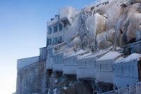 Frosty morning on Aiguille du Midi