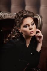 Luxury fashion woman
