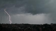 Gradual lightning