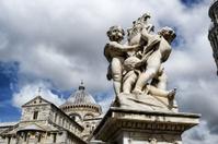 Statues in Piazza dei Miracoli, Pisa, Italy