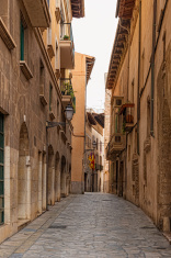 small alley in Palma de Mallorca