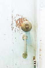 knob door