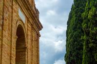 Romanesque arc