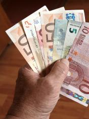 Euro banknotes 2