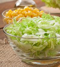 салат с кукурузой и китайской капустой
