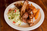 spare ribs with lettuce and fried potato