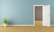 Empty room with opend door