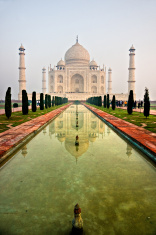 Taj Mahal at sunset, Agra, Uttar Pradesh, India.