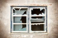 Broken Window with focus to Window