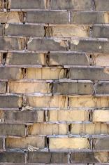 Decaying Brickwall