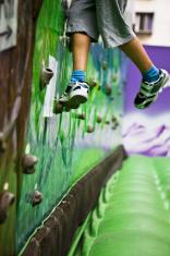 Boy sport climbing