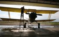 washing the plane