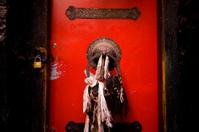 Tibet Old Red Door XXL