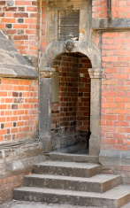 Entrance do gothic church