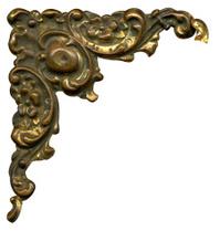 Antique metallic corner