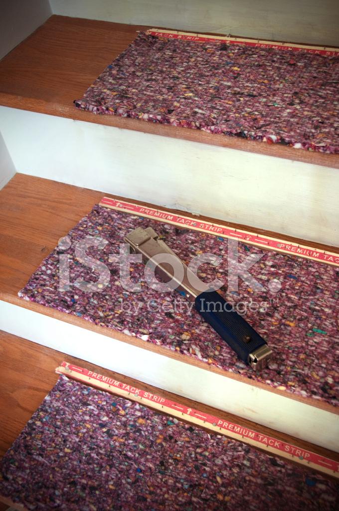 how do you lay carpet padding