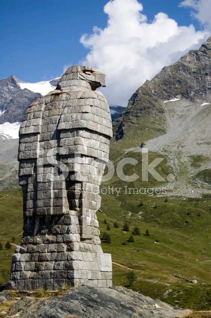 mountain eagle statue stock photos freeimages com