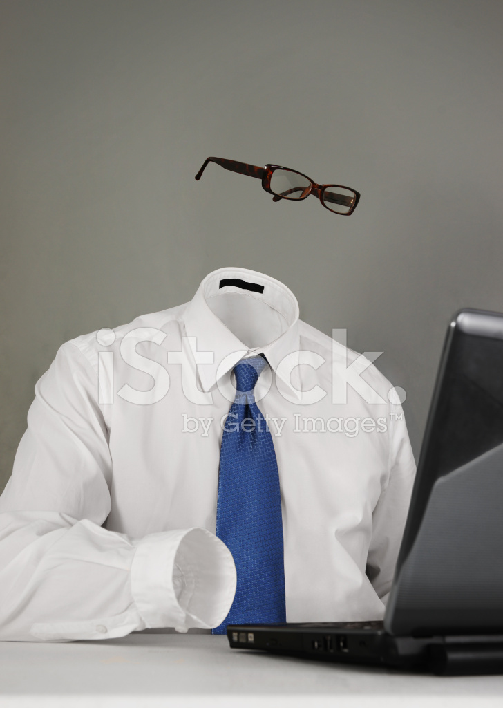 Uomo invisibile o anonimo sul portatile fotografie stock