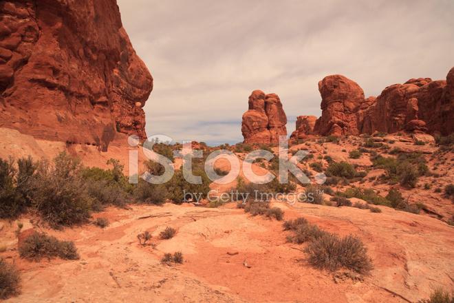Red Rock Valley W Parku Narodowego Arches Zdjęcia ze zbiorów ... 3760f5d8df163