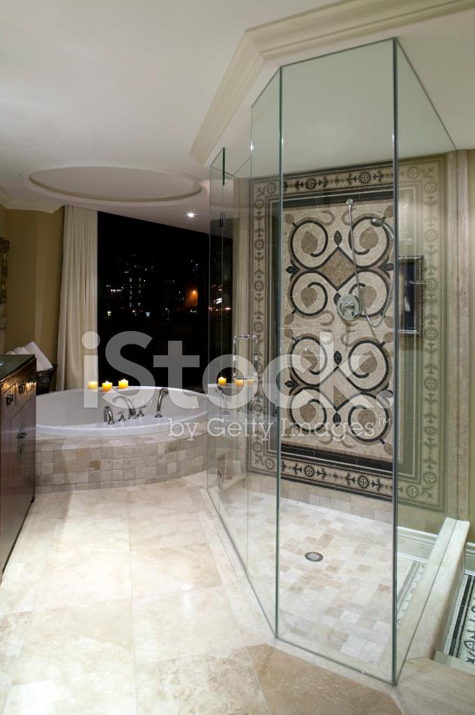 럭셔리 현대 부동산 저택 욕실 샤워 스톡 사진 - FreeImages.com