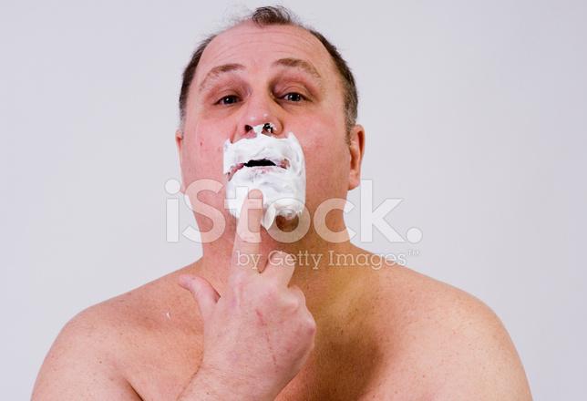Sakalı Tıraş Kremi Ile Orta Yaşlı Adam Boyama Stok Fotoğrafları