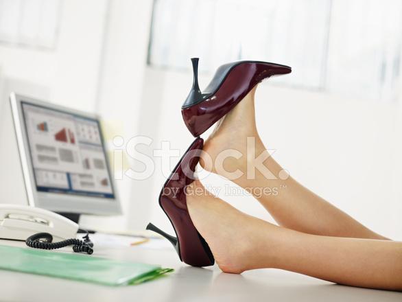 Fotografías Los Mujer Negocios Quitándose Stock De Zapatos XpwqXx8O