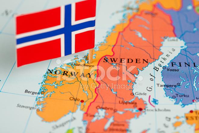 La Norvegia Cartina.Mappa E Bandiera Della Norvegia Fotografie Stock Freeimages Com