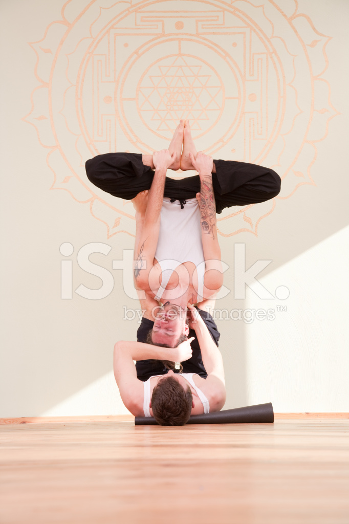 Haciendo Yoga Juntos En Un Estudio Fotografías de stock - FreeImages.com 1cb6916d2a2e