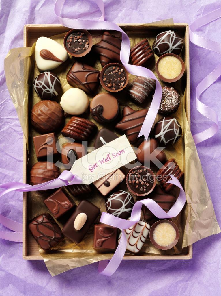 Открытка с конфетами и шоколадом 912