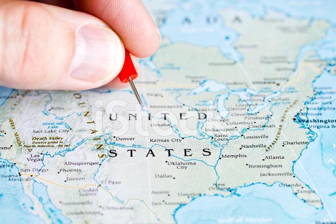 Karta Cleveland Usa.Where To Go Hand Holding Pushpin Over Usa Map Stock Photos