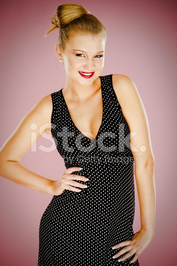 dce141a2f3fba9 Mooie Tiener Meisje Op Roze Achtergrond Stockfoto s - FreeImages.com