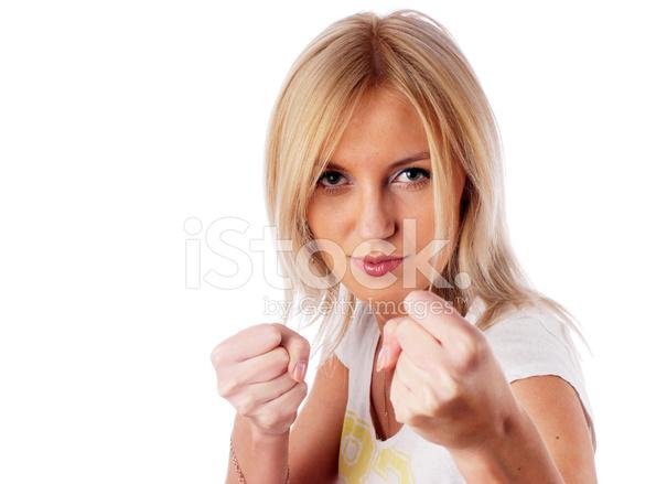 кулак в девушке фото принять два
