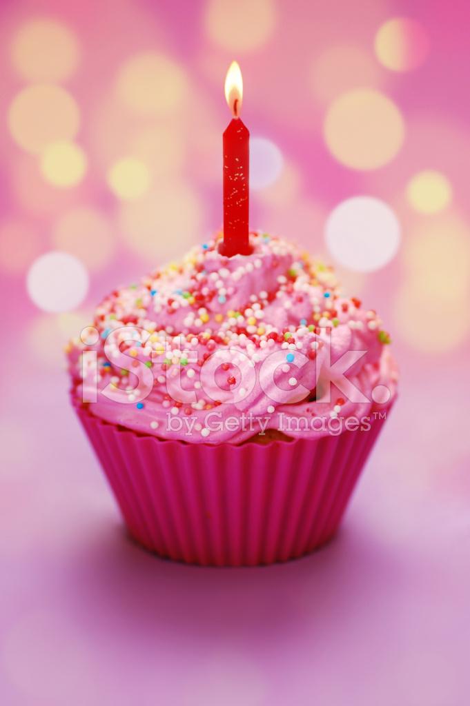 Alles Gute Zum Geburtstag Cupcake Stockfotos Freeimages Com