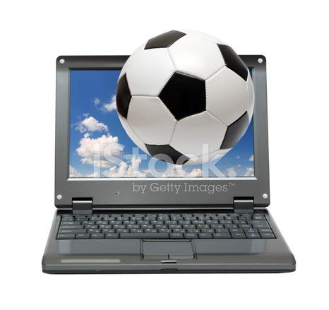 Liten Bärbar Dator Med Fotboll Fotboll Stockfoton Freeimagescom