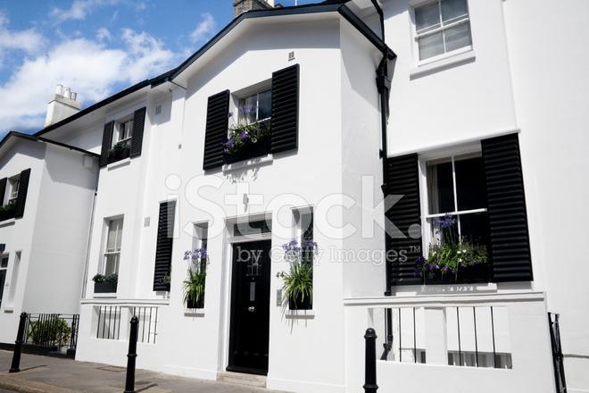 Típico Inglés Terrazas Casas En Londres Fotografías De Stock