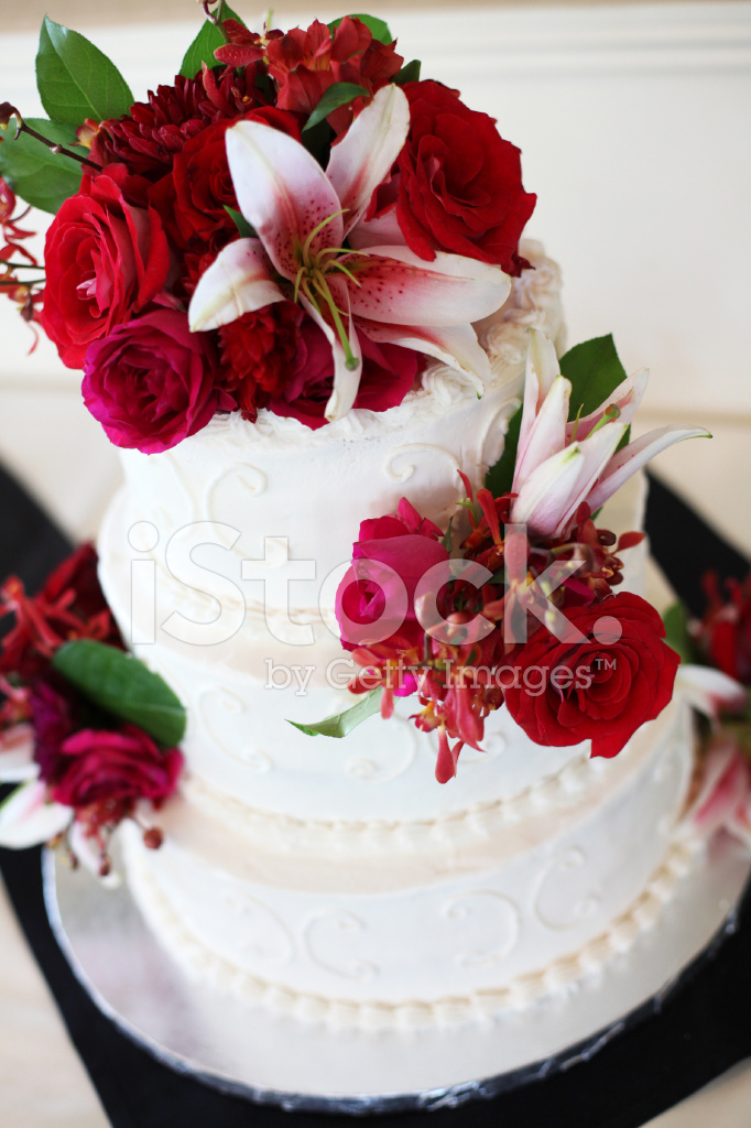 Rot Und Weiss Hochzeit Kuchen Stockfotos Freeimages Com