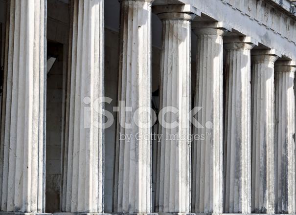Wiersz Filarów Starożytnej świątyni Greckiej Zdjęcia Ze
