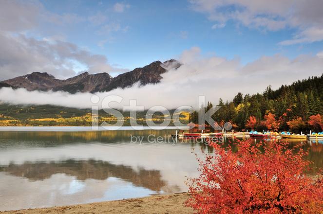 ピラミッド湖と秋の色、ジャスパ...