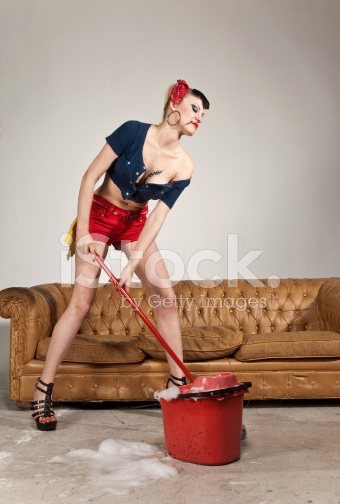 хозяйка и уборщица по русски муж говорил, что