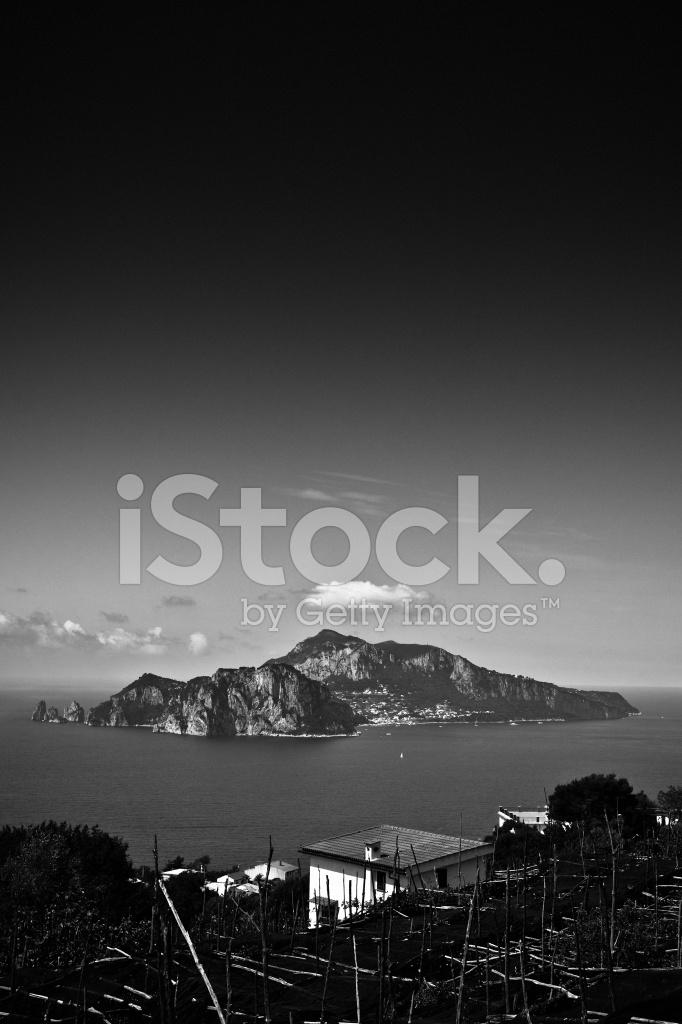 80e590b6d4797 Capri Island