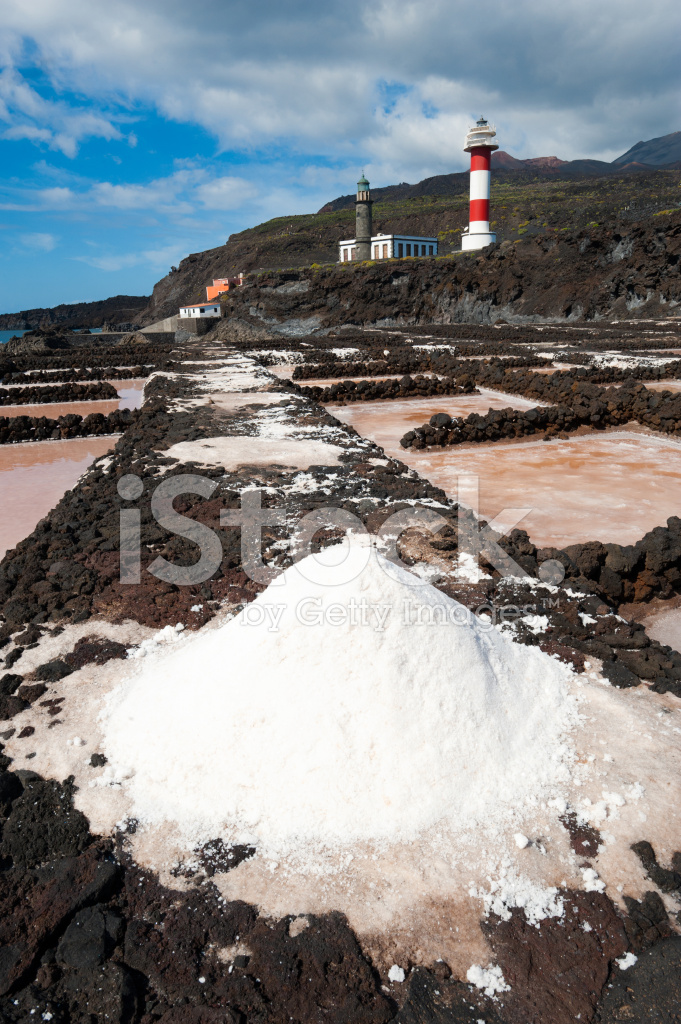 Salt evaporation ponds and lighthouses punto de for Design of evaporation pond