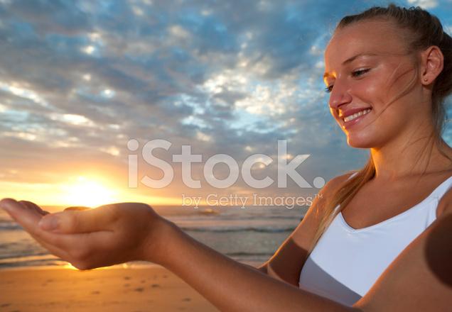 навигации можно фото человека держащего солнце секрет многоквартирные дома