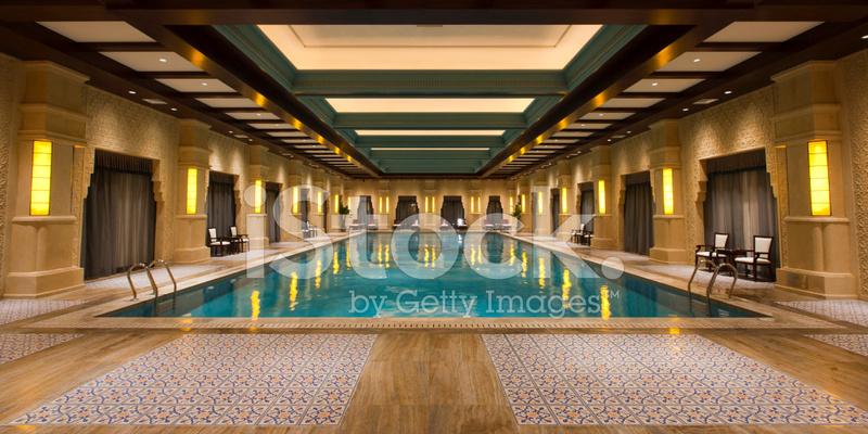 Indoor swimming pool luxus  Luxus Indoor Schwimmbad Stockfotos - FreeImages.com