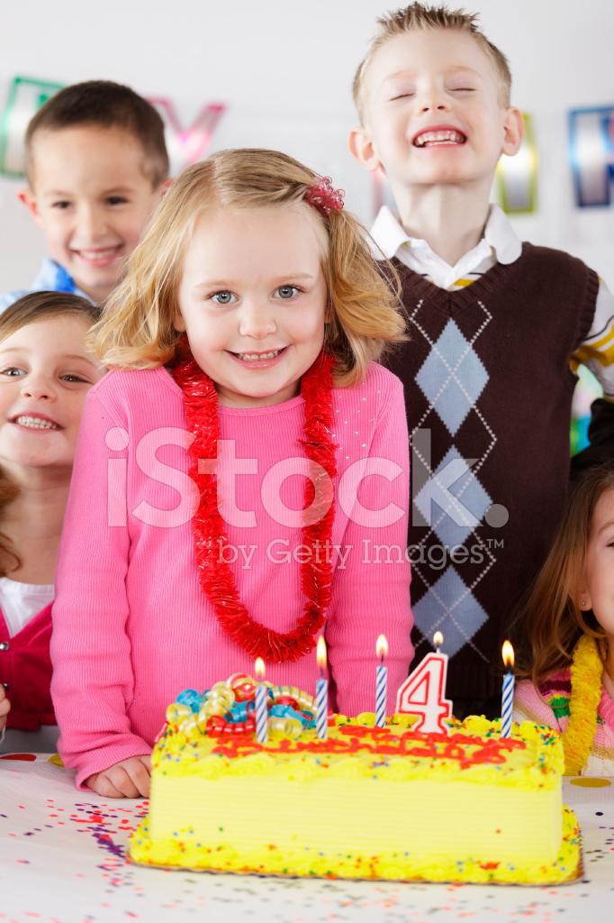 Festa De Aniversario De Uma Menina Fotos Do Acervo Freeimages Com