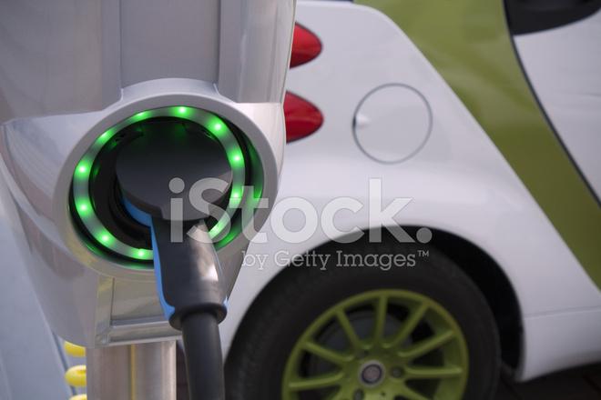 Opladen Voor Elektrische En Hybride Auto Stockfoto S Freeimages Com