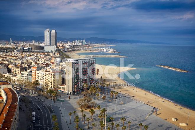 Der Vogelperspektive Am Strand Von Barcelona Stockfotos