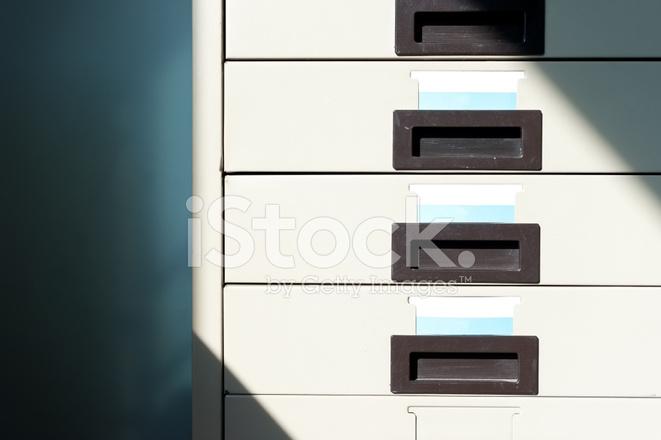 Kast En Bureau : Bureau kast stockfoto s freeimages