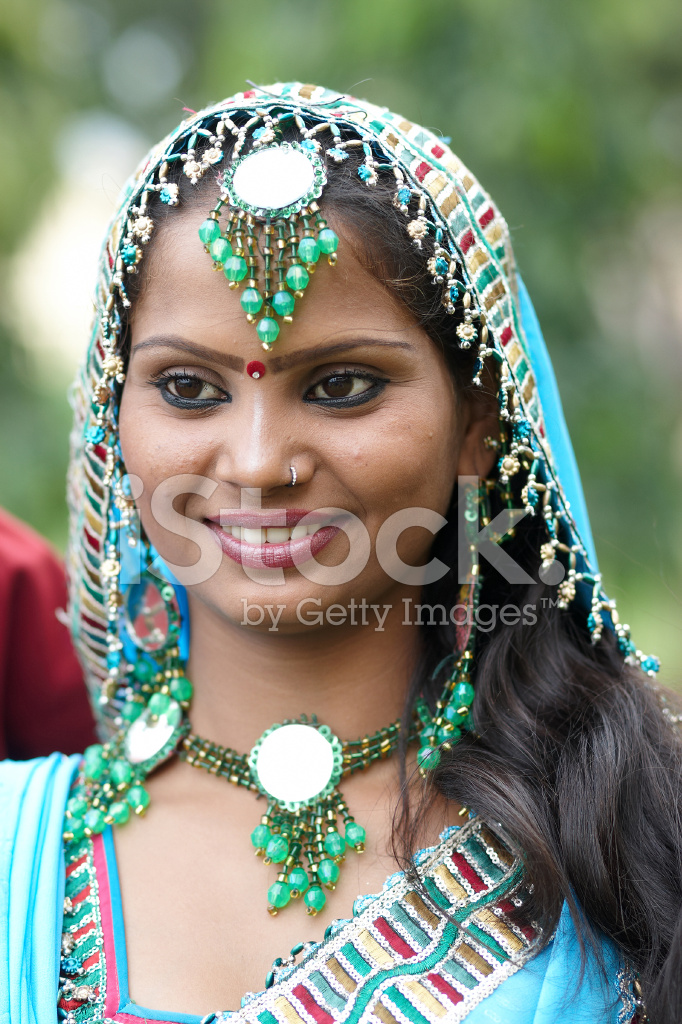 attractive indian girls