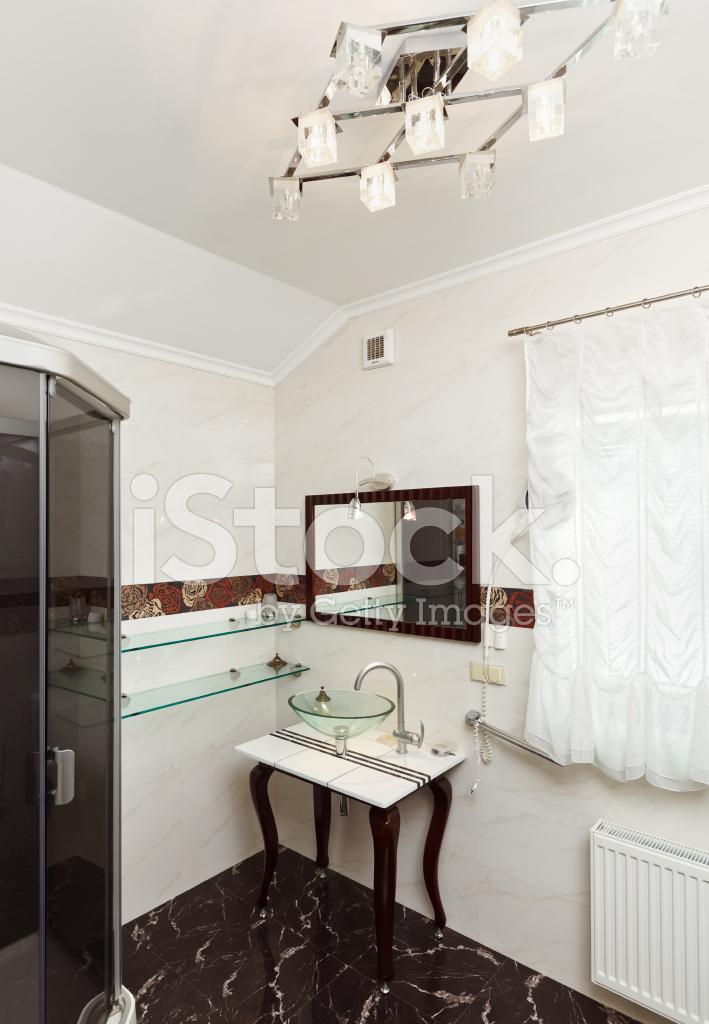 Modernes Badezimmer Interieur Mit Glasschale Waschbecken Und Spiegel